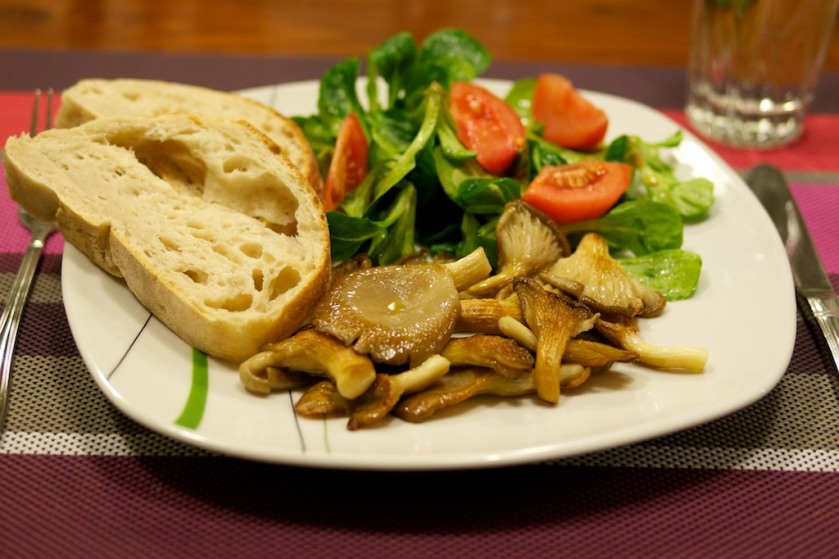 Feldsalat mit Austernpilzen