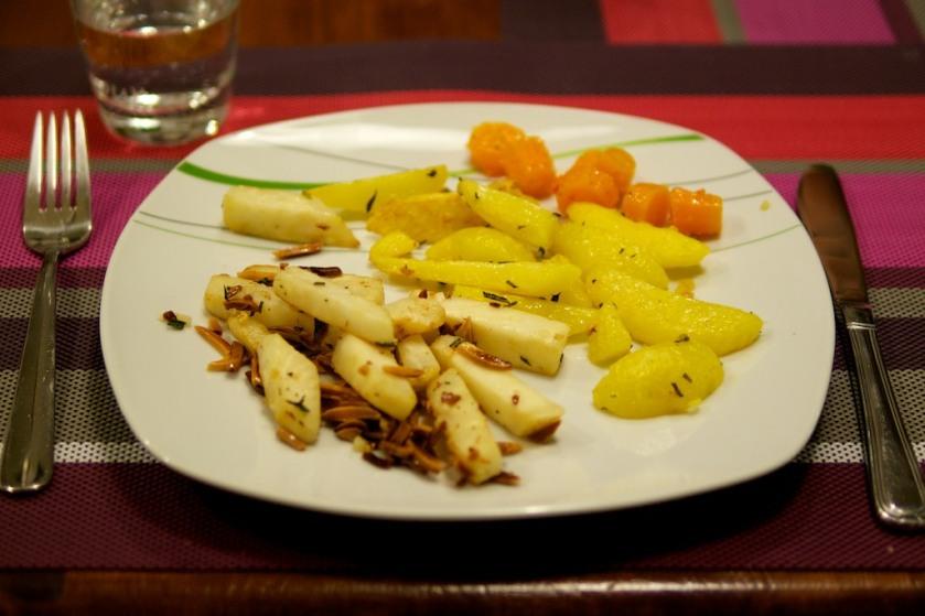 Gebratener Sellerie mit Knoblauch-Rosmarin Ofenkartoffel