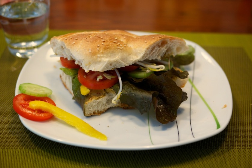 Sandwich mit Tomacado