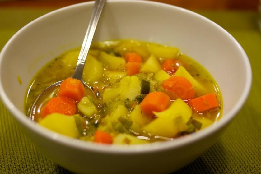 Kartoffel-Karotten-Lauch-Suppe