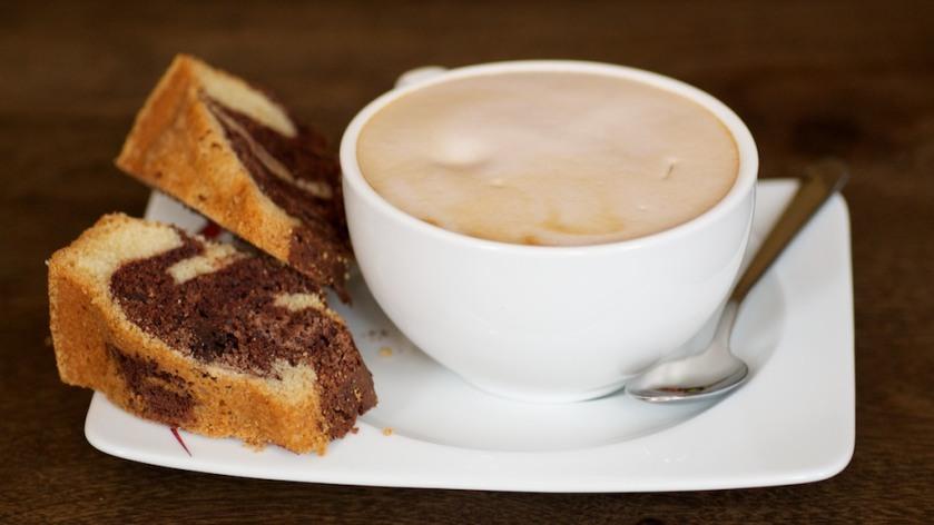 Veganer Marmorkuchen mit Cappuccino