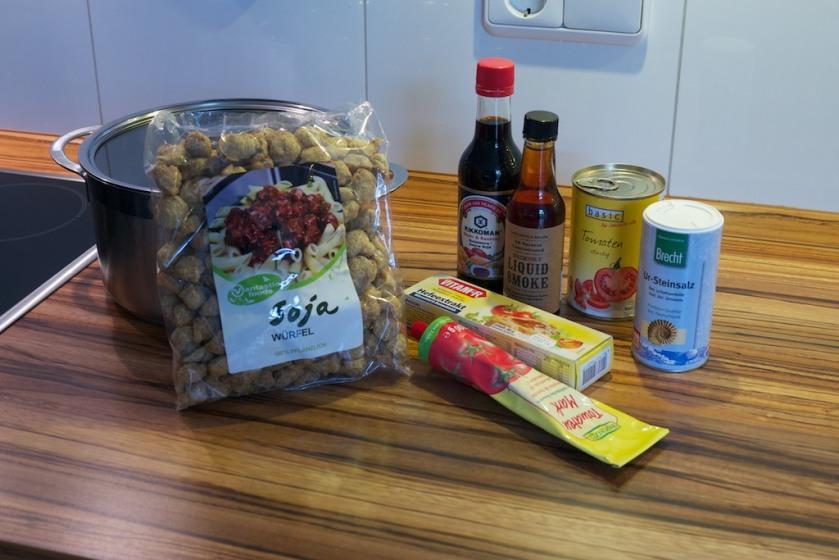 Veganes Gulasch (Zutaten für Vorbereitung der Sojastücke)