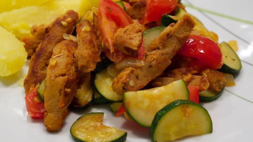 Soja-Schnetzel Zucchini-Tomaten Pfanne mit Kartoffel (2)