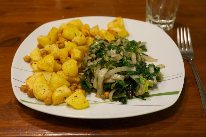 Knoblauch-Mangold mit kichernden Ofenkartoffeln (1)