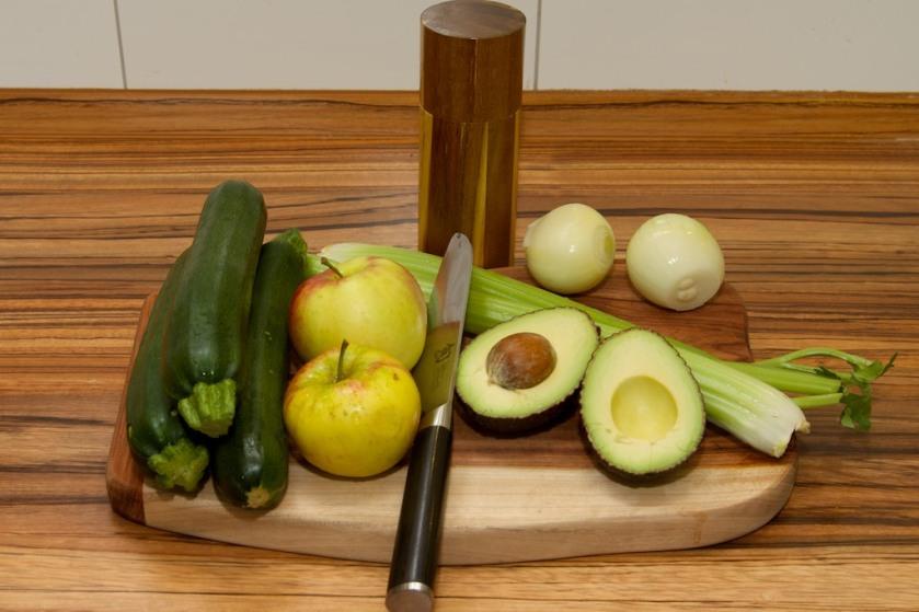 Zucchini-Nudeln in Apfel-Sellerie-Sauce (1)